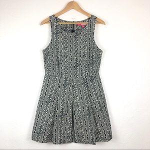 PLENTY by TRACY REESE Black & White Midi Dress